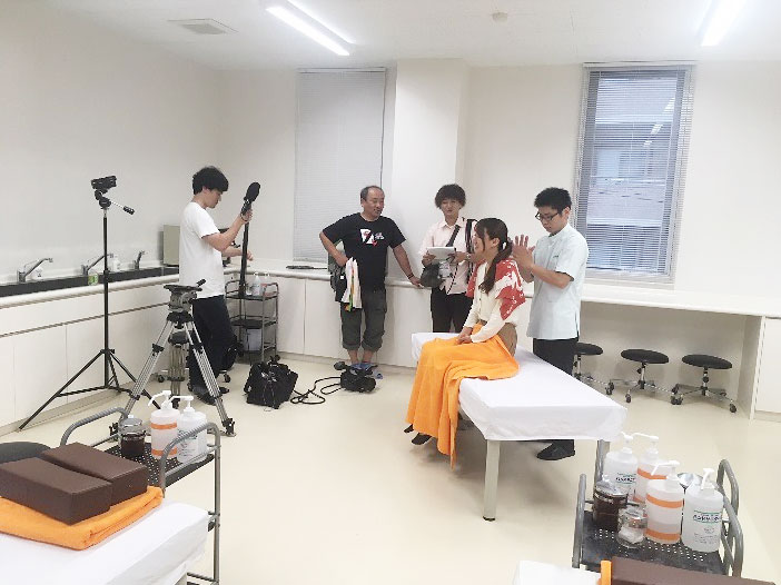 MBC鹿児島県内の専門学校特集の撮影の様子02