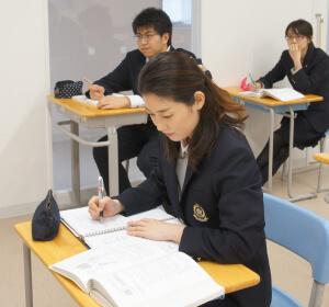 女子学生写真1